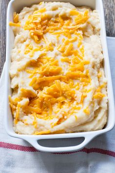 Cheesy Slow Cooker Mashed Potatoes from @bhg Delish Dish
