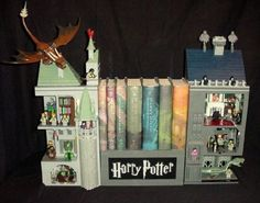 Amazing Harry Potter Bookends created by a mega-fan. Rooms light up and what not. So cool. Lego Harry Potter, Harry Potter Bookends, Mundo Harry Potter, Harry Potter Love, Legos, Fans D'harry Potter, Laika Studios, Be My Hero, Lego Castle