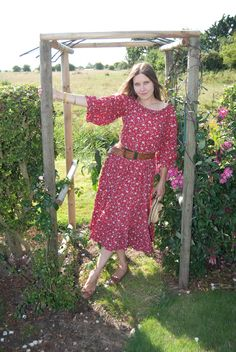 Jane Air Wears Laura Ashley gypsy style dress Gypsy Style, My Style, Western Decor, Laura Ashley, Vintage Dresses, Fashion Dresses, How To Wear, Vintage Gowns, Fashion Show Dresses