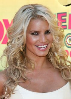 Jessica Simpson Hair- I want mine to do this!