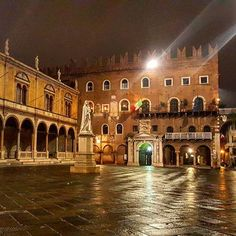 Some dramatic shots from last night in an empty #Verona