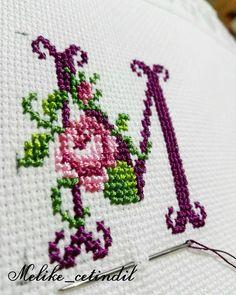 Gece gece yeni işler  #kanavice#asktir#isleme#etamin#carpiisi#terapi#cross#crossstitch#hobi#handmade#elemegi#goznuru#ceyiz#bohca#elisi#love Cross Stitch Art, Simple Cross Stitch, Cross Stitch Borders, Cross Stitch Flowers, Cross Stitch Patterns, Embroidery Art, Embroidery Stitches, Embroidery Designs, Hobbies And Crafts