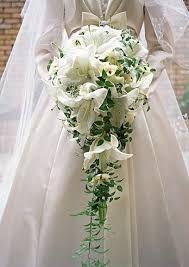 Bilderesultat for dråpe brudebukett