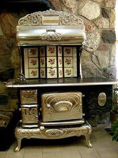 Petit Royal Belanger Antique Working Wood Cook Stove beautiful