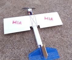 Complete Guide to Building Your First DIY RC Foamboard Plane (Instructables)