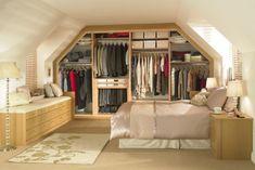une armoire dressing sous pente