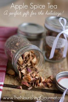 This easy DIY tea blend makes a lovely gift! It's so pretty too. www.thenourishinggourmet.com