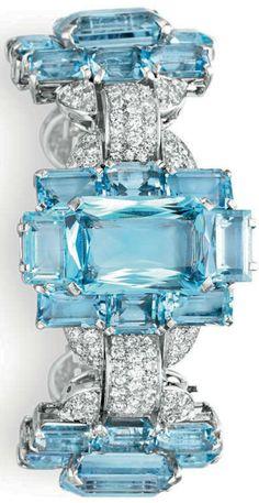Cartier ~ Diamond and Aquamarine Bracelet, circa 1935 Art Deco Jewelry, Jewelry Box, Vintage Jewelry, Fine Jewelry, Jewelry Design, Jewellery, Aquamarine Bracelet, Diamond Bangle, Bling