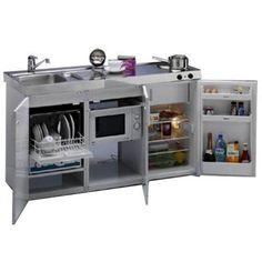 Piekarnik ze zmywarką, kuchenka mikrofalowa połączona z małą płytą grzejną, pralka z umywalką... Gdy w mieszkaniu miejsca jak na lekarstwo, warto rozważyć kupno nietypowych urządzeń AGD, które w jednej obudowie mieszczą nie tylko jedno urządzenie. Limatec MKGSMESC 150, lodówka, zmywarka, zlew , kuchenka mikrofalowa, ceramiczna płyta grzejna (2 pola)