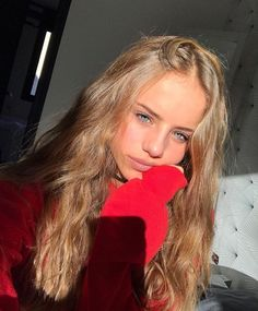 10 Biggest Spring/Summer 2020 Hair Color Trends You'll See Everywhere Beauté Blonde, Shades Of Blonde, Brown Blonde Hair, Aesthetic People, Aesthetic Girl, Photo Adolescent, Pretty Blonde Girls, Insta Photo Ideas, Girls Selfies