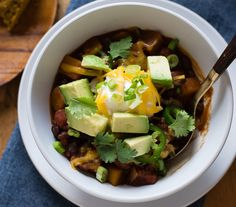Slow Cooker Butternut Squash Chili with Porter Read more at https://ohmyveggies.com/slow-cooker-butternut-squash-chili-with-porter/#PkDiFyR4L3MCblEs.99