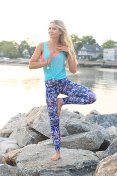 Jenna Crandall of Lunchpails and Lipstick wearing zella leggings and talking about her paleo diet