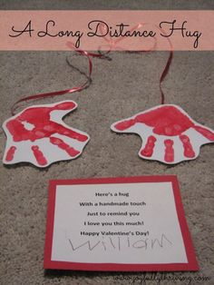 Grandparents Day Craft A Long Distance Hug - My cute preschoolers craft for Valentine's Day. Kids, Moms and Teachers all loved it! Grandparents Day Craft A Long Distance Hug - My cute preschoolers craft for Valentine's Day. Kids Crafts, Baby Crafts, Toddler Crafts, Preschool Crafts, Projects For Kids, Craft Kids, Kids Diy, Kinder Valentines, Valentine Day Crafts