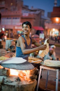 smiling street food vendor, jaipur, india | candid + street photography #moments