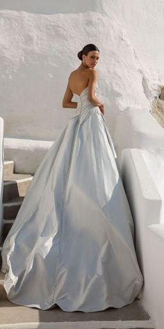 Stunning 2018 Destination Wedding Dresses by Justin Alexander Wedding Dresses 2018, Wedding Dress Trends, Wedding Ideas, Wedding Bride, Fall Wedding, Diy Wedding, Wedding Decor, Wedding Ceremony, Rustic Wedding
