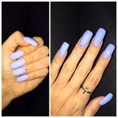 Gorgeous periwinkle nails by @Wendybeauty at @sorellesalon2