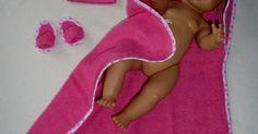 Badset, bestaande uit badcape, badslippers en washand voor BabyBorn 43cm, eigen ontwerp. | Poppenkleertjes made by Jannie (BabyBorn) | Pinterest