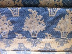 "Vintage Blue & White Flower Basket Reversible Banquet Tablecloth 95"" x 68"""