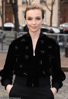 Killing Eve's Jodie Comer confesses she has learnt from her on-screen serial killer character Jodie Comer, Elle Magazine, Serial Killers, Girl Crushes, Makeup Looks, Leather Jacket, Celebs, Actors, Singers