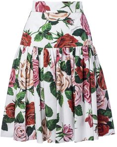 Shop Dolce & Gabbana Floral Print Pleated Skirt and save up to EXPRESS international shipping! Vintage Dresses, Nice Dresses, Casual Dresses, African Fashion Traditional, Long Skirt Outfits, Feminine Dress, African Wear, Pleated Skirt, Stylish Outfits