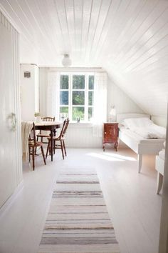 Are you a homeowner looking for a way to create an escape space for yourself in the comfort of your own home? Attic Renovation, Attic Remodel, Attic Bedrooms, Loft Room, Attic Spaces, Secret Rooms, Up House, Cheap Home Decor, Interior Inspiration