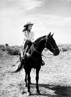 Elizabeth Taylor on the set of Giant in Marfa, Tx. Elizabeth Taylor, Illustration Photo, Illustrations, Cow Girl, Gaucho, Marfa Texas, Vintage Cowgirl, Vintage Horse, West Texas