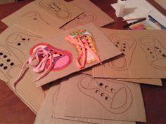 39 Montessori hraček pro děti vyrobených doma | Dům Nápadů Diy And Crafts, Crafts For Kids, Activity Board, Family Kids, Toddler Crafts, Montessori, Playroom, Kindergarten, Preschool