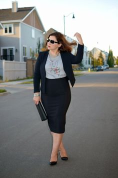 Fabulous-30s-black-blazer-pencil-skirt-and-printed-tshirt-curvy-fashion-blogger-outfit-idea