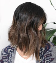 New hair highlights for brunettes low lights haircuts 33 ideas Asian Hair Highlights, Brunette Hair Color With Highlights, Hair Color Asian, Hair Color Dark, Fall Highlights, Brunette Color, Balayage Highlights, Short Dark Hair, Asian Short Hair