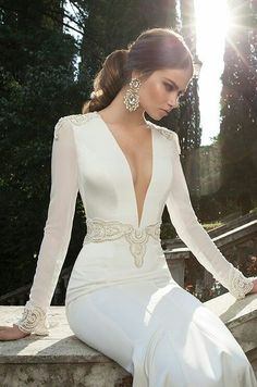 Hey future brides, here is another amazing bridal collection. It is Berta Bridal Winter a wonderful collection of long sleeve wedding dresses. Sexy Wedding Dresses, Wedding Dress Sleeves, Bridal Dresses, Wedding Gowns, Dresses Dresses, Wedding Blog, Dresses 2014, Lace Wedding, Trendy Wedding