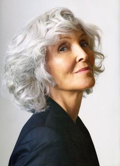 Pinner says: am i crazy that i can't wait to have grey hair? i think its BEAUTIFUL! - (my hair is going gray and I let it. Short Curly Hair, Curly Hair Styles, Silver Grey Hair, Beautiful Old Woman, Ageless Beauty, Older Women Hairstyles, Great Hair, Hair Dos, Hair Inspiration