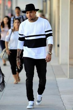 Chris Brown Outfits, Chris Brown Style, Urban Fashion, Kids Fashion, Fashion Night, Fashion Men, Fashion Design, Fashion Outfits, Fashion Styles