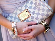 Louis Vuitton Eva Clutch in Damier Azur bag, сумки модные брендовые, http://bags-lovers.livejournal.com/