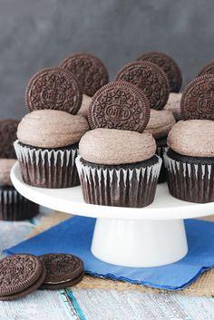 Chocolate Wedding Cupcake Ideas You Must See ❤ See more: http://www.weddingforward.com/chocolate-wedding-cupcake/ #weddings