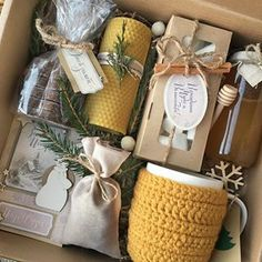 Gift sets gift ideas gift - Gifts box ideas, Gifts for teens,Gifts for boyfriend, Gifts packaging Christmas Gift Baskets, Christmas Gifts For Friends, Holiday Gifts, Christmas Crafts, Christmas Gift Ideas, Hygge Christmas, Christmas Wreaths, Diy Gift Baskets, Gift Hampers