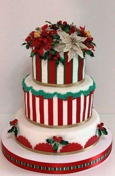 Torte nuziali per matrimonio in inverno - Decorazioni verdi bianche e rosse