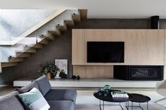 We can't get enough of the beautiful Bayside House by 😮 Featuring the Escea gas fireplace in the living room, this amazing home is another exceptional project by their clever design team 👌 🔨 📷 . Home Interior Design, Interior Architecture, Architects Melbourne, Trendy Furniture, Clever Design, Staircase Design, Victorian Homes, House Plans, New Homes