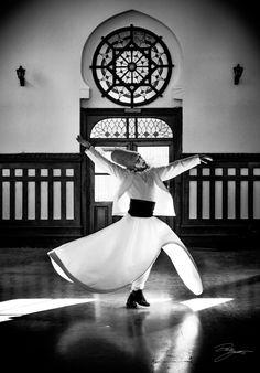 """Nothing should stand between yourself and God"" - Rumi . Dön Semazen by Dursun YARTAŞI Kahlil Gibran, Istanbul, Whirling Dervish, Spiritus, Islamic Calligraphy, Persian Calligraphy, Calligraphy Art, Foto Art, Dance Art"