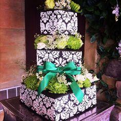 St. Patrick's Day Cake by CMH Cakes www.cmhcakes.blogspot.com