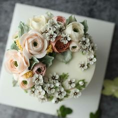 @Regrann from @maison_olivia - 하노이. 잉글리쉬로즈. 왁스플라워. 미모사 _ 4th. Advanced class Buttercream flowercake _ #플라워케이크 #flowercake #플라워케익 #flowerscake #대구플라워케이크 #대구플라워케익 #버터크림플라워케이크 #buttercreamflowercake #koreanflowercake #koreaflowercake #버터크림케이크 #buttercreamcake #메종올리비아 #maisonolivia - #regrann