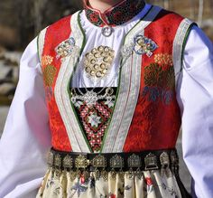 Folk Costume, Costumes, Going Out Of Business, Traditional Outfits, Vintage Photos, Norway, Bridal Dresses, Scandinavian, Europe