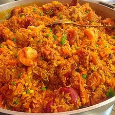 Jollof rice 21 Deliciously Warming West African Dishes You Should Be Eating This Winter West African Food, South African Recipes, Ethnic Recipes, Riz Wolof, Ghanaian Food, Nigeria Food, Haitian Food Recipes, Special Recipes, International Recipes