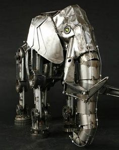 Steampunk is a sub-genre of sci-fi, basically an alternate universe where steam power is all the rage. Steampunk involves an alternate history of the world, a world that is both romantic and robotic. It's punk rock and antiques all at the same time. Here are some super cool robotic steampunk animals! If you like gears, you're in for a treat.
