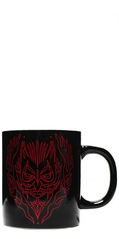 Grab this awesome Pinstripe Devil Mug in Black from Sourpuss. We love it, hot rod pinstripe styling, the devil has never looked so cool. This black ceramic mug has a fab fiery red design.