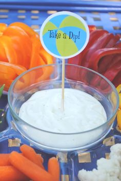 Pool or Beach Party.Dips, Drinks and Swim Snacks beach-party. a simple toothpick sign changes the veggie tray from ordinary to on-theme! Sommer Pool Party, Pool Party Kids, Kid Pool, Swimming Party Ideas, Pool Fun, Splash Party, Party Dips, Pool Party Snacks, Pool Party Themes