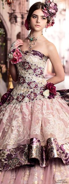 Gypsy ball gown :-). Stella de Libero I would give the world to wear these…