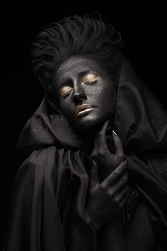 #Black and gold #women's portrait #photography with limited edition | Artgallery online | Art-Revolver