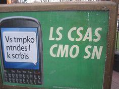 """Se llama """"SMS"""" y son mensajes cortos. Se usan especialmente en los mensajes de text o email. Aquí una lista de las más usadas y comunes """"Text Speak"""" en Español: x = por k = que xq= porque / Por qué..."""