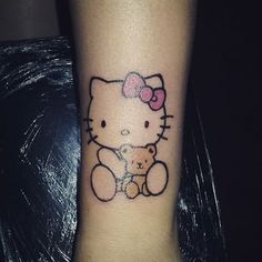 Lady Bug Tattoo, Hello Kitty Tattoos, Hello Kitty Pictures, Cool Tats, Body Piercings, Tattoo You, Sleeve Tattoos, Ladybug, Tatting