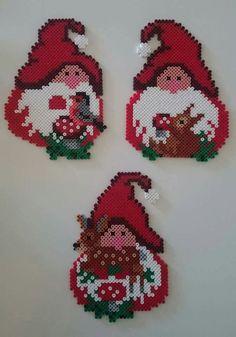 Billedresultat for hama kaj boysen Melty Bead Patterns, Pearler Bead Patterns, Perler Patterns, Beading Patterns, Christmas Perler Beads, Seed Bead Crafts, Art Perle, Motifs Perler, Peler Beads